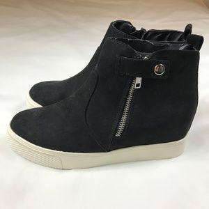 NEW - Big Buddha Sneaker Boot